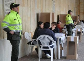Sitios de votación desolados