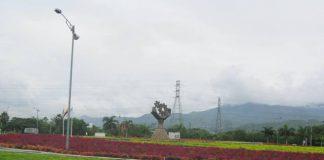 Monumento a la mujer y el hombre trabajador (María Ángela Altamirano). Foto todosesupo.com