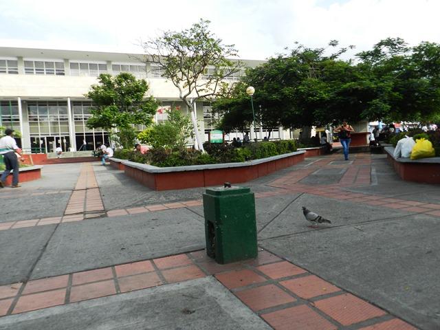 Hace varios días un poste se quebró y a la fecha no ha sido restablecido. Foto www.todosesupo.com